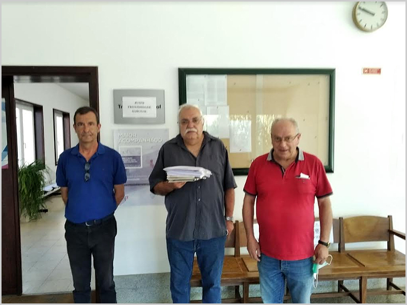 Delegação da CDU no Tribunal do Sabugal constituída por José Manuel Aguiar, João Manata e João Duarte