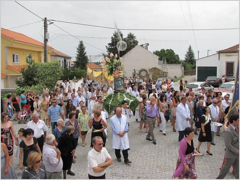 Procissão em Aldeia do Bispo (foto: aldeiadobispo.net)