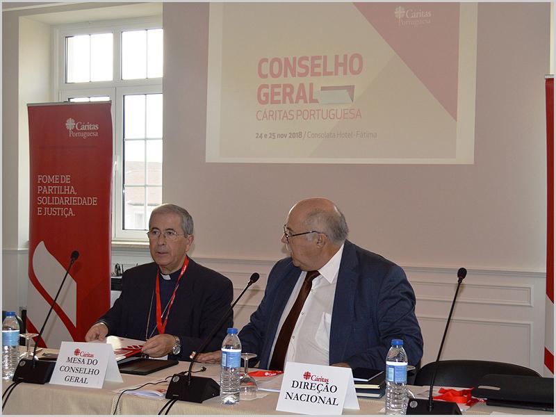 D. josé Traquina (Mesa do Conselho Geral) e o prof. Eugénio da Fonseca (Direcção Nacional)